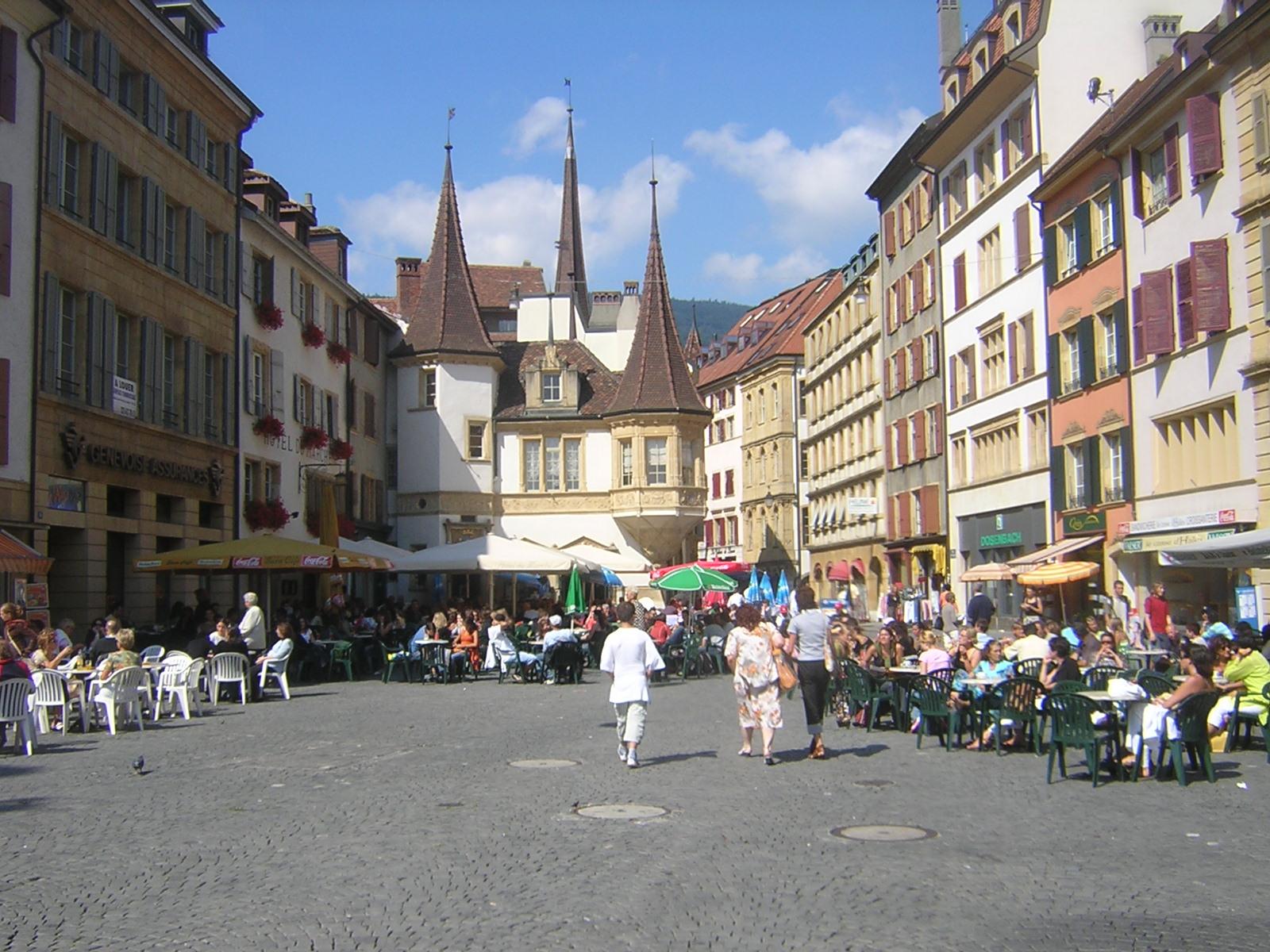 Neuchâtel, notre ville en Suisse