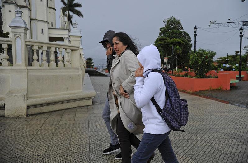 COSTA-RICA--Empuje-fr-o-se-mantendr--hasta-ma-ana-en-el-pa-s
